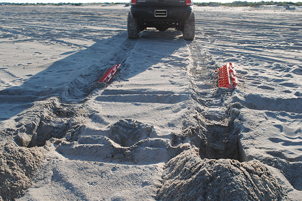 escaper buddy traction mats stuck on beach after