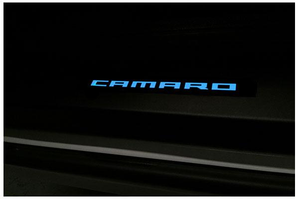 windrestrictor camaro door sills black blue sample